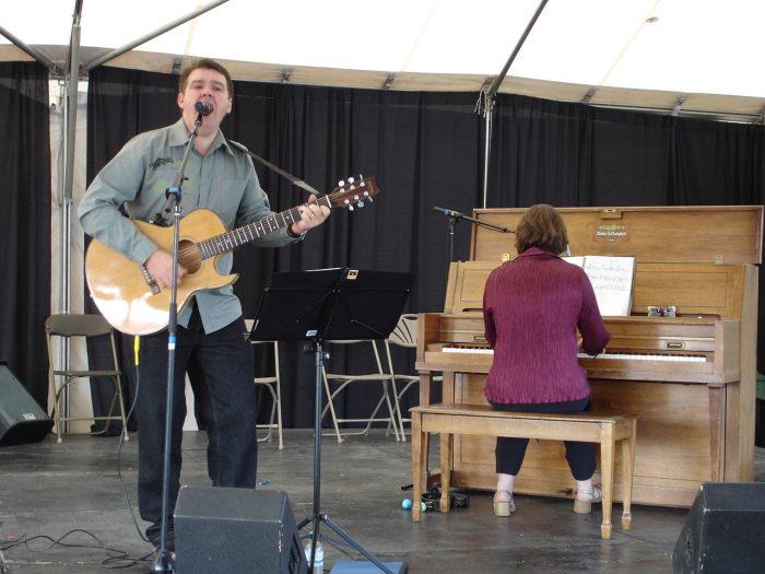 Sing n Strum with Daniel James