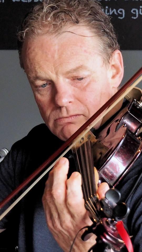 Peter O'Shea Fiddle and Mandolin lessons.